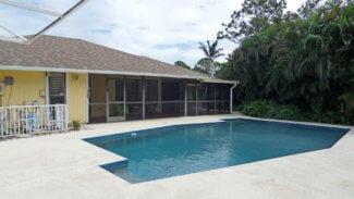 Spacious Canoe Creek home in Palm City FL