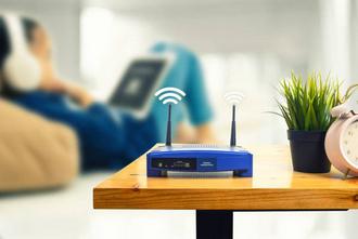 A Versailles mesures des ondes d'un répéteur WiFi, par Demain Conseils - diagnostic indépendant