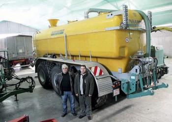 Zunhammer SKE 27 PUD TRIDEM szippantókocsi – 27 000 liter, három tengelyen
