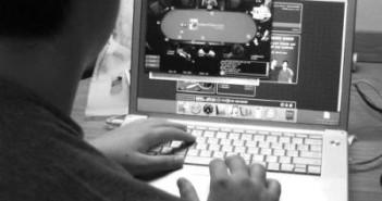 diadiktyako-stoixima-poker
