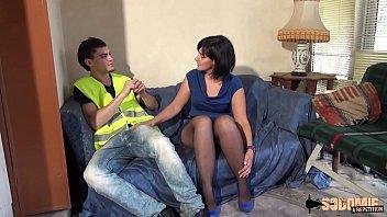 matura francese seduce giovane giardiniere dal cazzo grosso