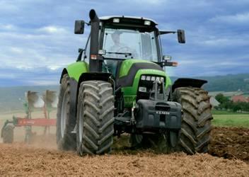 Deutz-Fahr Agrotron TTV-620 traktor DLZ teszt – Fokozatmentes visszatérés