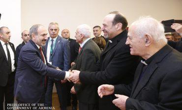 ՏԵՍԱՆՅՈՒԹ. Վարչապետը հանդիպել է Վիեննայի հայ համայնքի ներկայացուցիչներին և անդրադարձել Իլհամ Ալիևի հետ հանդիպմանը