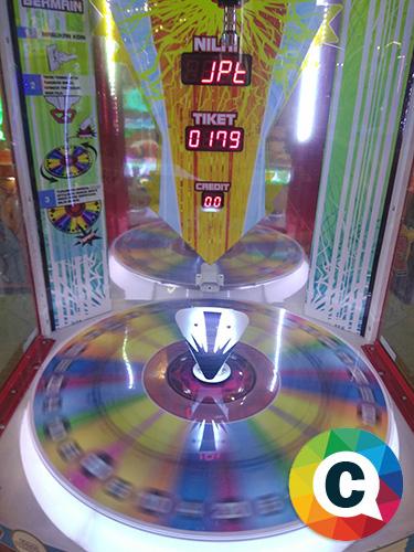 Close Up mesin Giant Drop saat mendapatkan jackpot