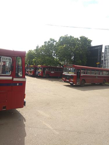 Bus antar kota Sri Lanka