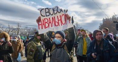 Почему крымчане вышли против Путина. Мнение Надежды Исаевой
