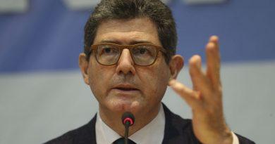 , Bolsonaro aguarda conclusão de investigação sobre assessor do Turismo, rtvcjs, rtvcjs