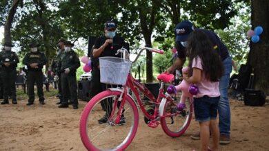 Photo of Alcalde Luis Eduardo Castro les cumplió a los niños del barrio Los Ángeles