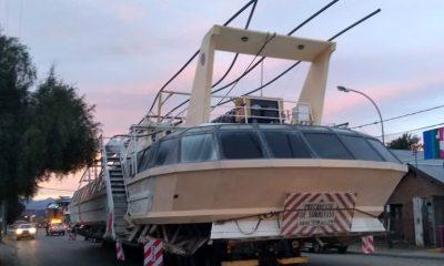 Operativo catamarán gigante