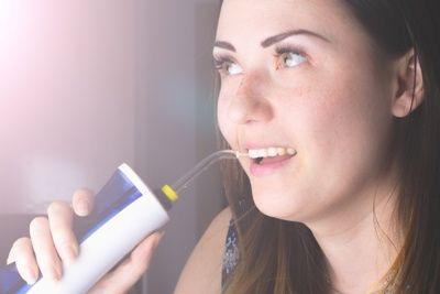 mejor irrigador dental portátil