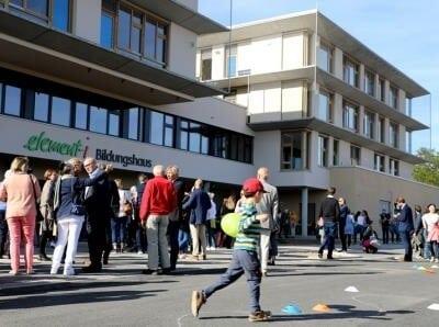 Spielstraße bei der Eröffnungsfeier des element-i Bildungshauses