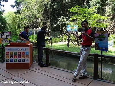 Sunway Lost World of Tambun General Manager, Nurul Nuzairi Mohd. Azahari (R) explains the nature of wetland