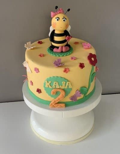 tort pszczolka
