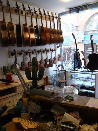 Atelier de lutherie guitare et instruments à cordes à Toulouse