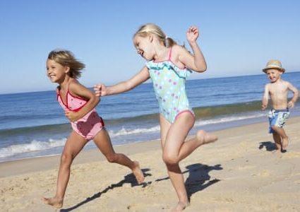 I bambini, il mare e la vitamina del sole