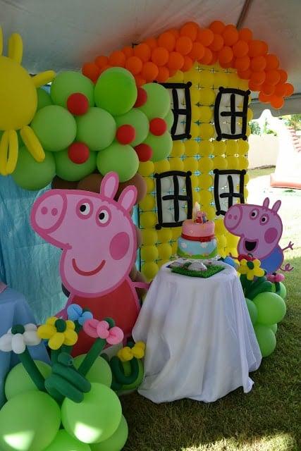 Peppa Pig Birthday Balloon Decorations