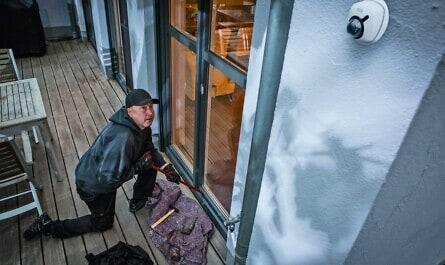 Einbrecher auf der Terrasse
