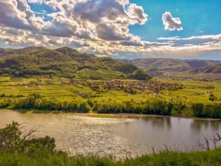 wachau-clouds-river-landscape