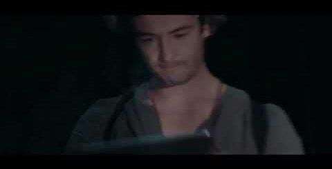 Tablet saves guy's life / Планшет спасает парню жизнь (Happy end / Счастливый конец)