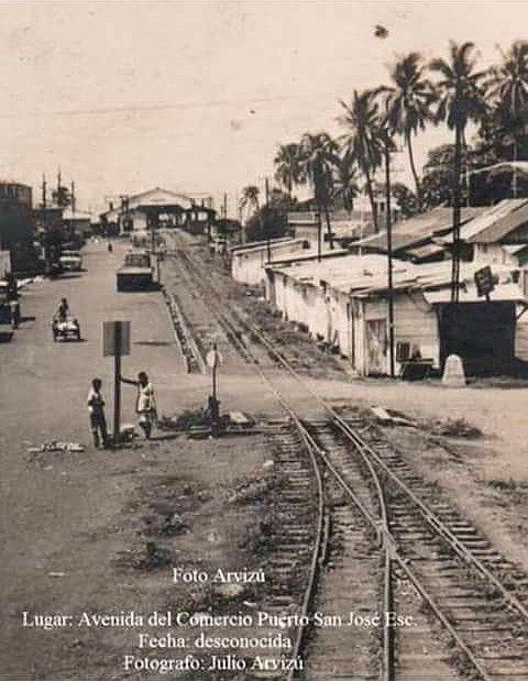 Vías del ferrocarril en Puerto San José