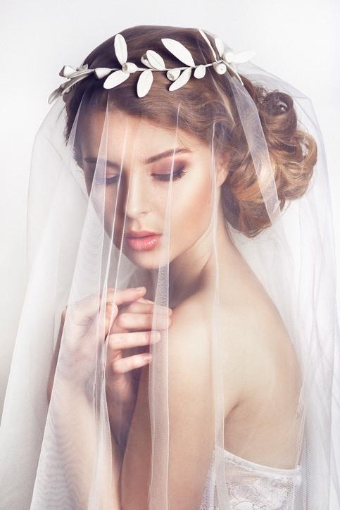 Tocados de novia con velo