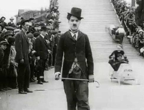 La première apparition de Charlie Chaplin à l'écran