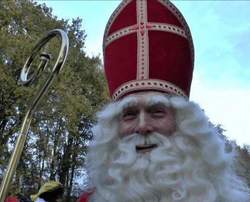 Sinterklaasfeest-blij-staf-mijter