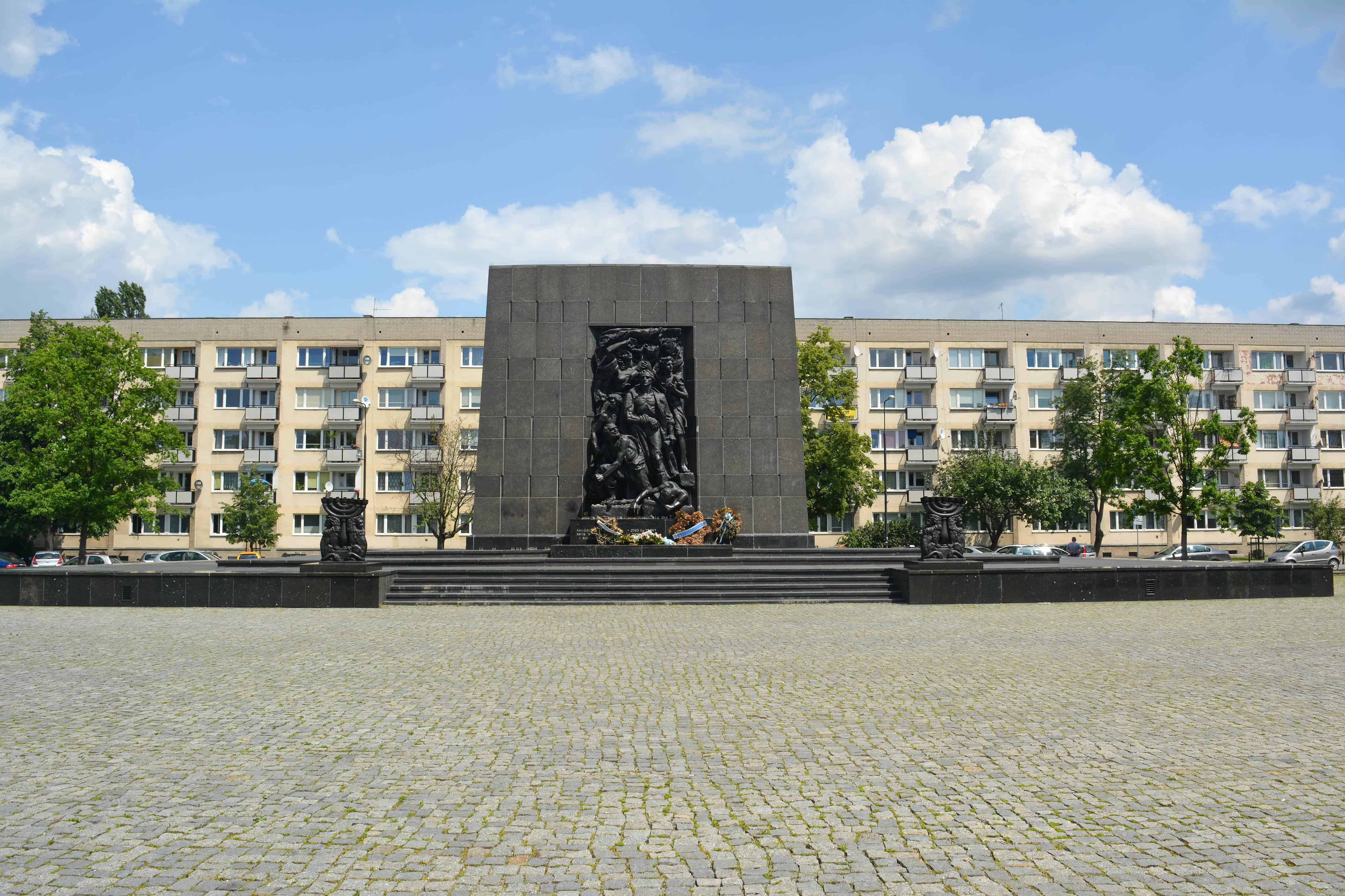 Monumento a los Héroes del Gueto de Varsovia