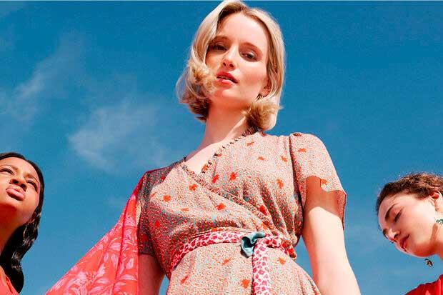 Cet été, la robe longue court toujours les rues