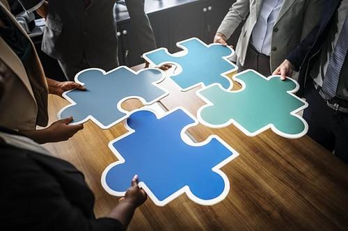 puzzel , teamwork