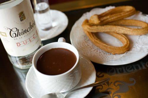 Postres - Chocolate and churros © Madrid Destino Cultura Turismo y Negocio, 2013