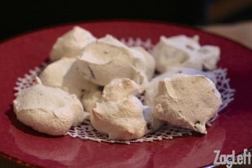 Heavenly Chocolate Chip Meringue Cookies - ZagLeft