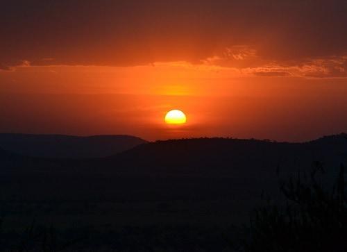 Sunset in the Serengeti | Winetraveler.com