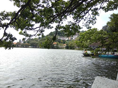 Danau Kandy