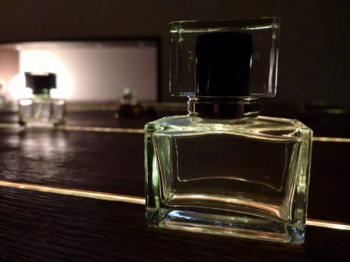 Parfumflakon leer
