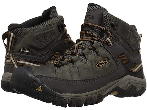 Keen's targhee hiking boot keeps mens feet warm and dry in cool weather hiking.