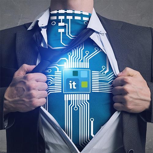 Geschäftsmann reißt sein Hemd auf der Brust aus und zeigt Move-IT Technology Logo.