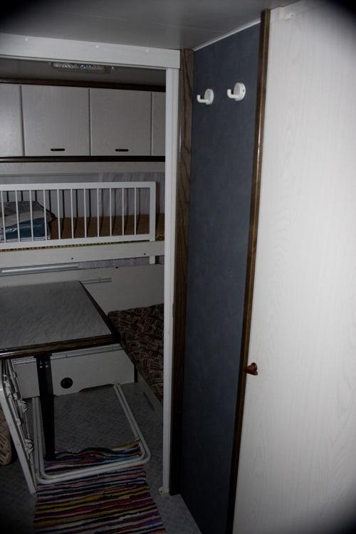 Kinderzimmer und Garderobe