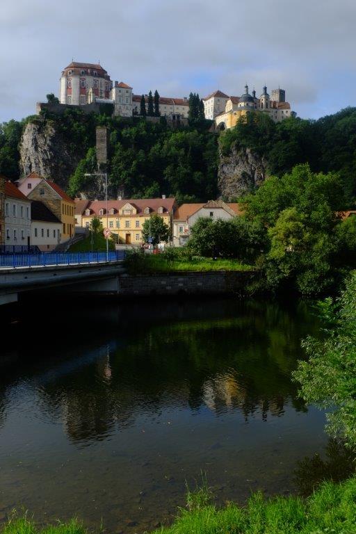 pohled na zámek od řeky