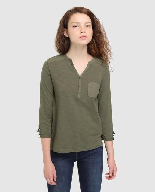 formula-joven-camiseta-escote-panadero-y-bolsillo