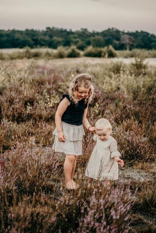 Laten we voorop stellen dat je de komst van kinderen niet kunt plannen. Soms komen ze spontaan, soms niet of laten ze op zich wachten. Dat hebben wij zelf ook ervaren. Leeftijdsverschil van kinderen heeft voor en nadelen. In deze blog lees je ze!