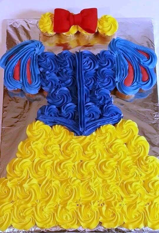 Snow White Cupcake Cake