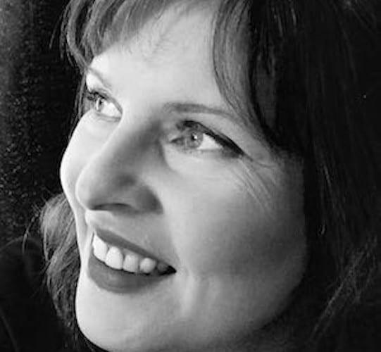 Photo of artist Catherine Kennedy