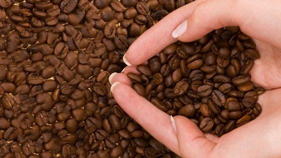 Organic Homemade Coffee Scrub Mask – Only 2 Ingredients!