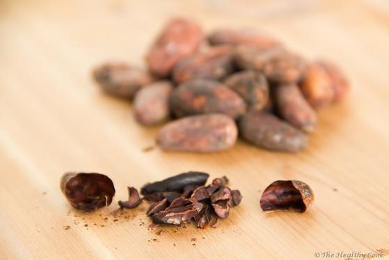 Raw Chocolate Balls with Bee Pollen – Σοκολατένιες Μπαλίτσες με Γύρη, χωρίς ψήσιμο