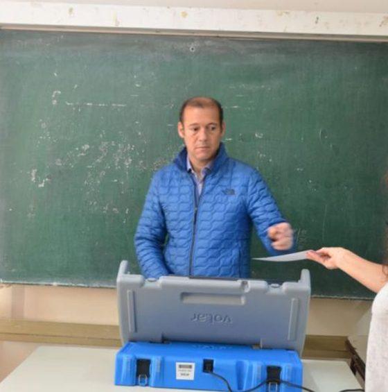 Neuquén: el Gobernador tuvo problemas con la boleta electrónica