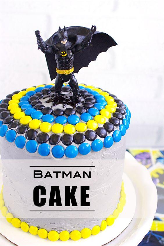 Batman Candy Cake   Batman Party Ideas