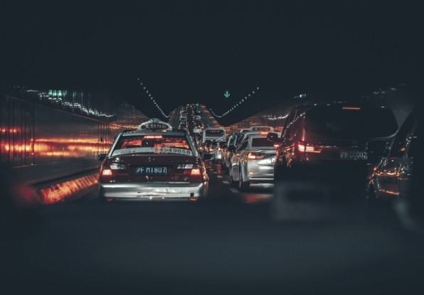 Image of traffic congestion in a tunnel.