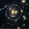 Într-un colț îndepărtat al universului, Hubble a descoperit o față zâmbitoare featured_compressed