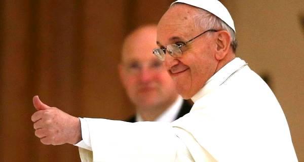 Papa Francesco fa confusione